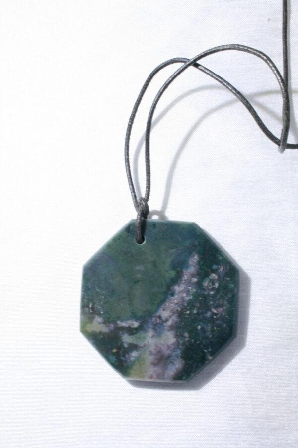 Collier jaspe vert plaque